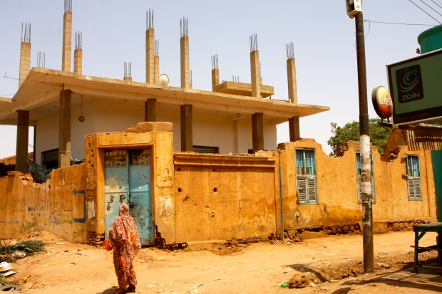 New buildings within old over in Omdurman